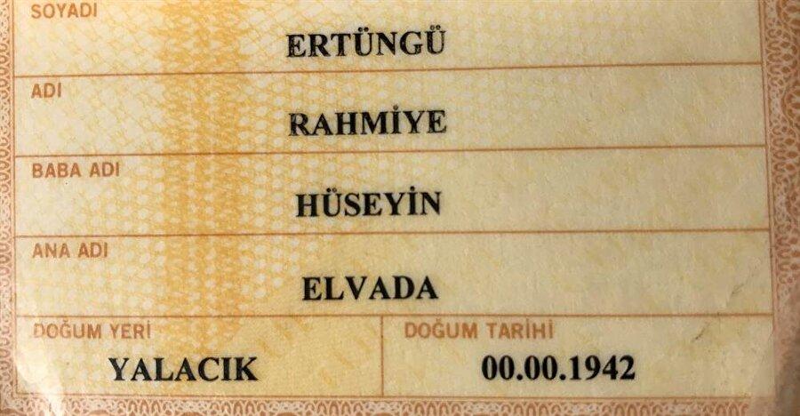 """Yaşlı kadının kimliğinde doğum tarihi """"00.00.1942"""" olarak yazıldı."""