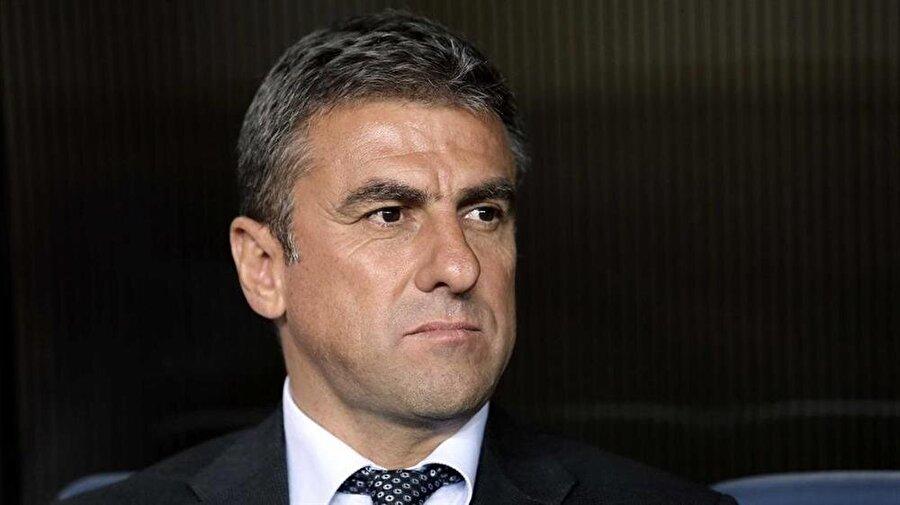 Antalyaspor Teknik Direktörü Hamza Hamzaoğlu yıldız isimlerin takımda kalmasını istiyor.