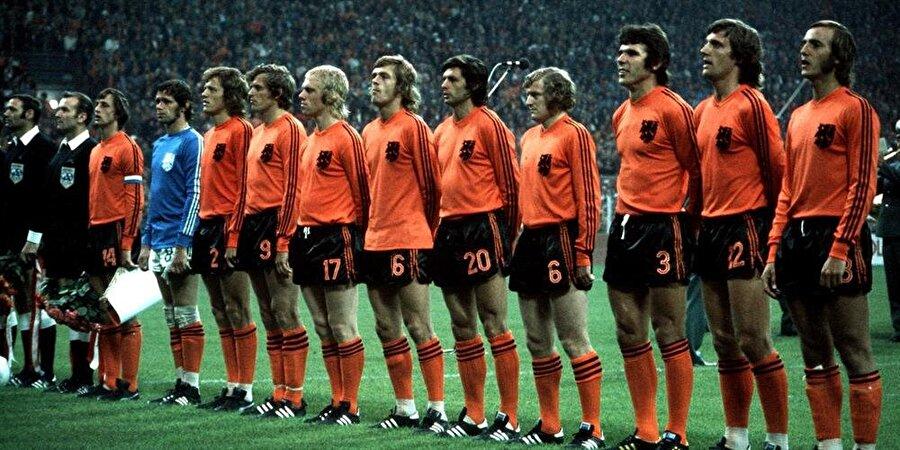 Cruyff öncülüğündeki Hollanda milli takımı