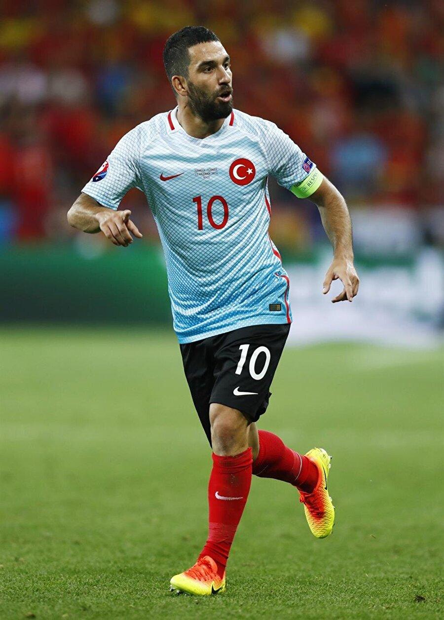 Arda Turan, Süper Lig'e dönmek için gün sayıyor.