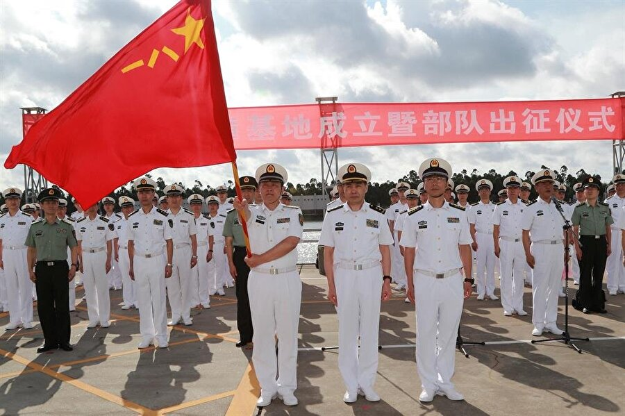 Çin, yurt dışındaki ilk askeri üssünü Cibuti'ye kurdu.