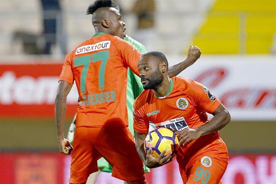 Bu sezon Alanyaspor'da 16 maça çıkan Brezilyalı golcü 11 gol, 3 asiste imza attı.