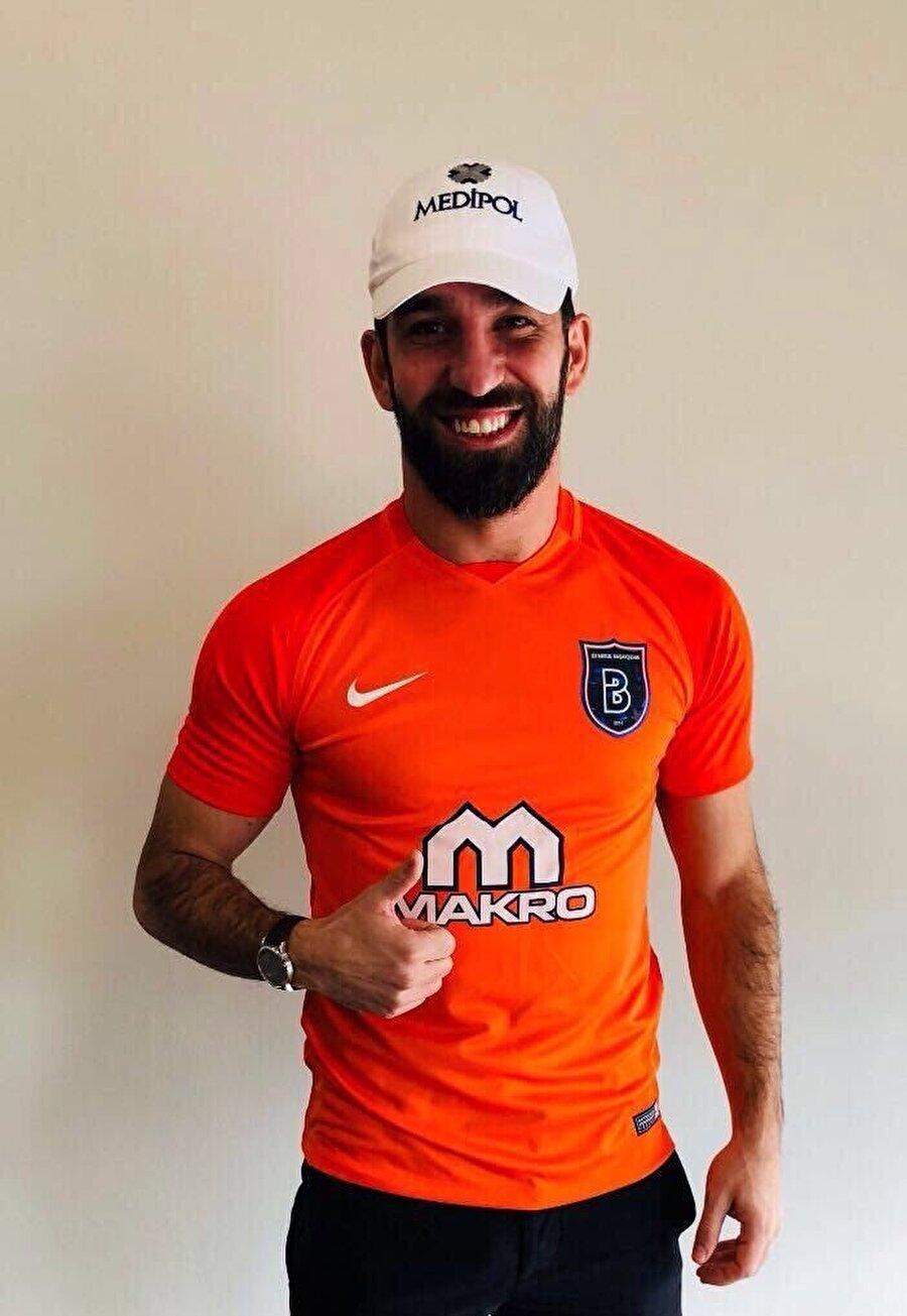 Arda Turan, 6.5 sezon sonra Süper Lig'e döndü.