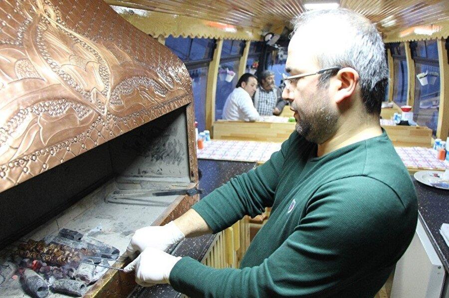 Mustafa Göç, ekmek teknesine 'Ciğerimin Köşesi' ismini verdi.
