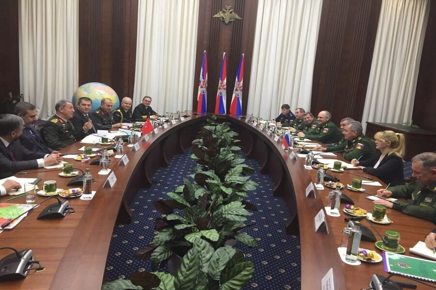 Genelkurmay Başkanı Akar ile MİT Müsteşarı Fidan, Moskova'ya giderek Rusya Genelkurmay Başkanı Valery Gerasimov ile görüştü.