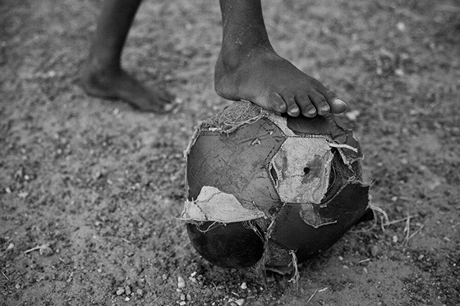 Futbol, Brezilya'da yemek kadar su kadar doğal bir ihtiyaç olarak görülüyor.