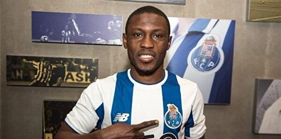 Abdul Majeed Waris ikinci ligden Porto'ya transfer oldu.