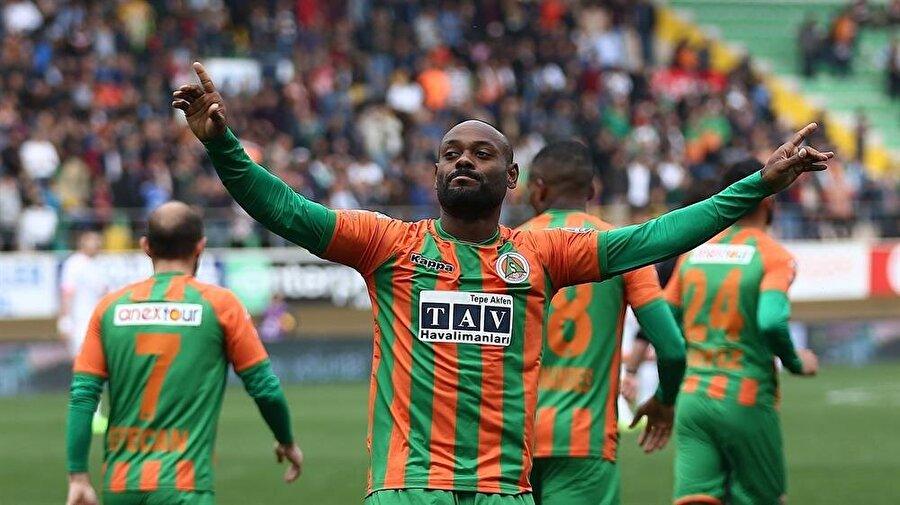 Brezilyalı futbolcu, Beşiktaş'a transfer olmak istiyor.