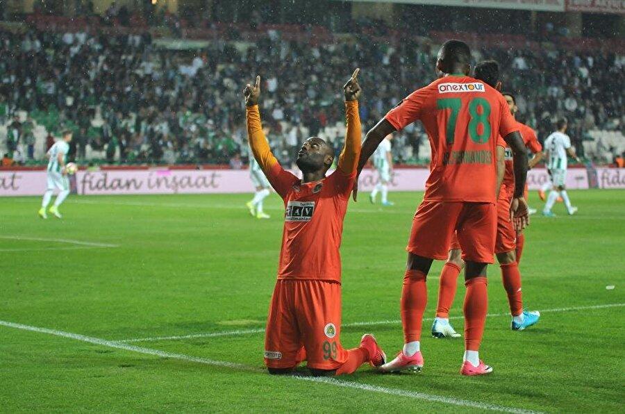 Brezilyalı futbolcu İstanbul'a geldi.