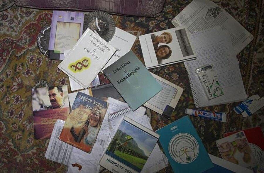 Terör örgütünden temizlenen alanlarda bulunan tünellerde teröristlere ait Türkçe ve Kürtçe yazılmış günlükler, çok sayıda siyasi doküman ve terörist elebaşı Abdullah Öcalan'a ait fotoğraflar bulundu.
