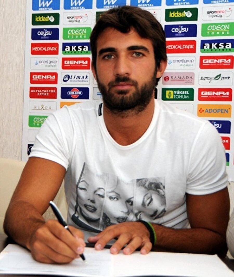 Sakıb Aytaç bu sezon Antalyaspor forması altında 20 maça çıktı.