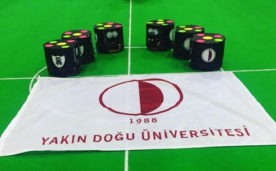 Yakın Doğu Üniversitesi robotik futbol takımı.