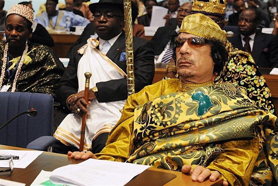 Muammer Kaddafi, 20 Ekim 2011'de Sirte'de linç edilerek öldürüldü.