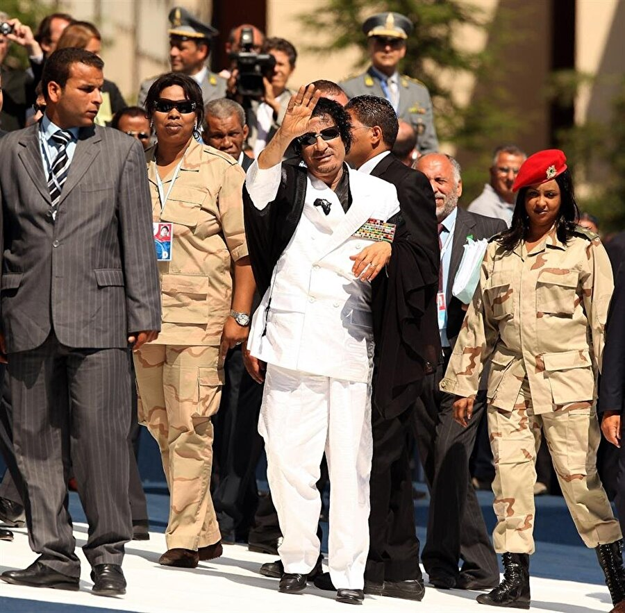 """41 yıllık Kaddafi yönetimi """"Arap Baharı""""nın karşısında direnemedi."""