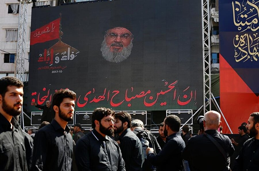 2010 yılında Suriye'de başlayan iç savaşa da müdahil olan Hizbullah, 2013 yılında bölgeye savaşçı göndererek Esed Rejimi'ne destek verdi.