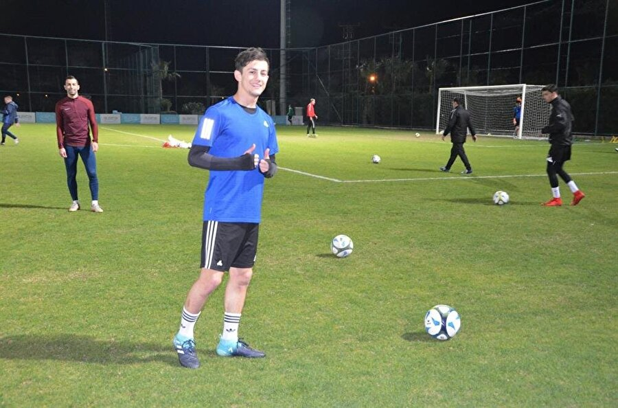 Genç futbolcu gönül verdiği verdiği transfer olduğunu belirtti.