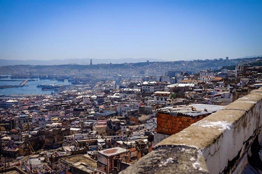 Kasbah, 1516 yılında Cezayir'in en yüksek tepesine kuruldu.