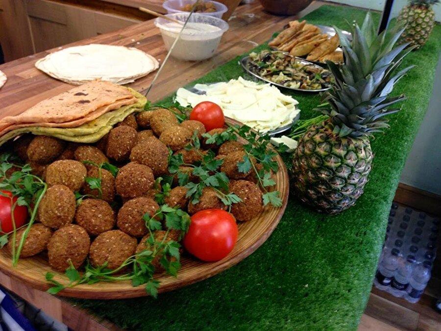 Ortadoğu'nun popüler yiyeceği felafel.