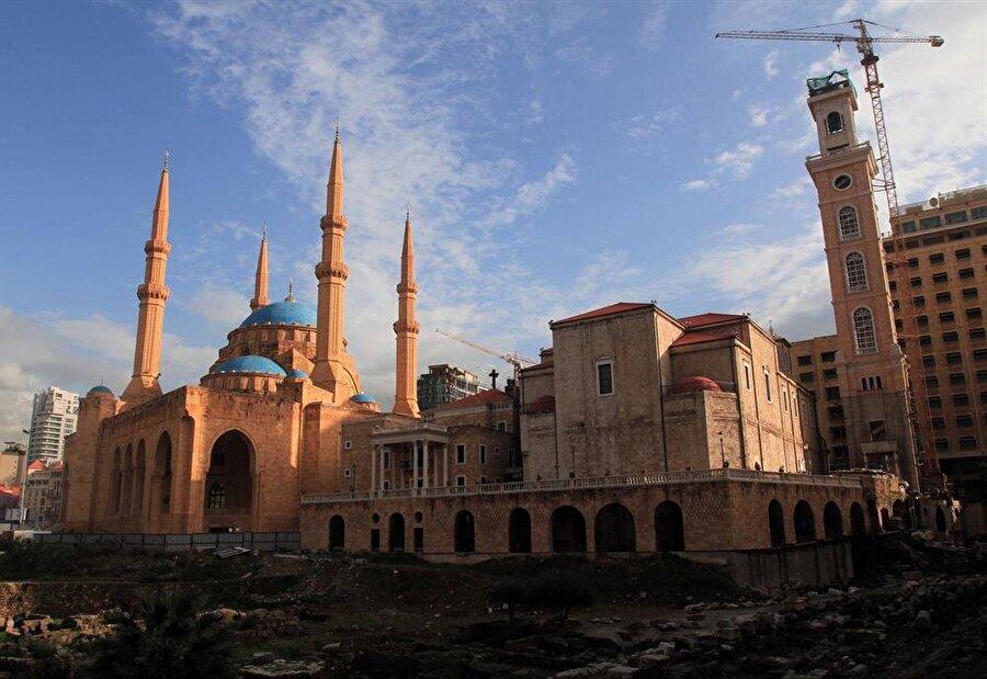 Muhammed el Emin Camii ve Saint George Maruni Katedrali.