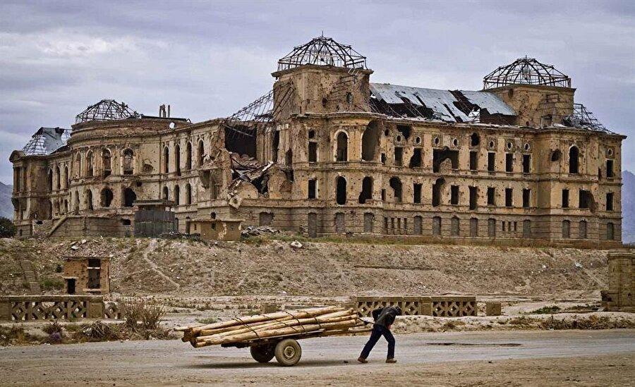 Dârulemân Sarayı, Afganistan'ın bugün içinden geçtiği politik türbülans hali içinde unutulmaya terk edilmiş görünüyor.