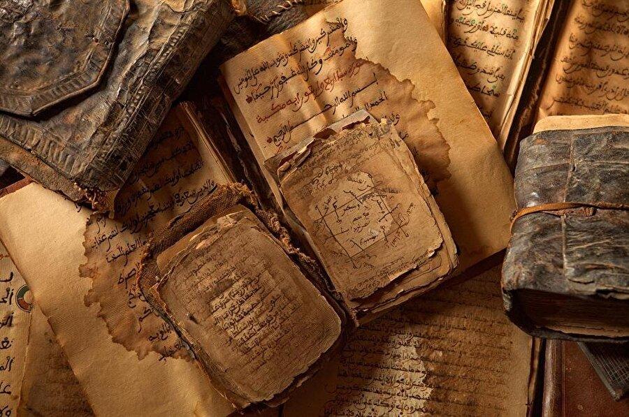 Timbuktu asıl ününü, el yazması kitapçılığın merkezi haline gelmesiyle kazandı.