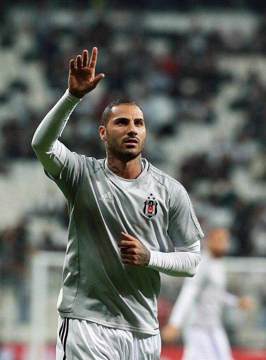 Portekizli futbolcu, Beşiktaş'ın verdiği cezalardan yıldı.