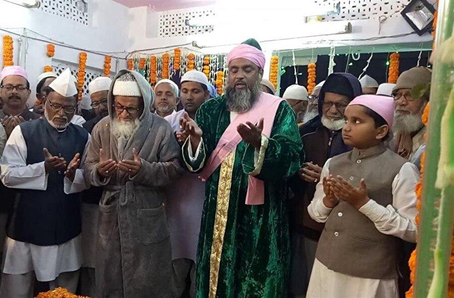 Hindistan'ın taşra bölgelerine doğru İslamiyet'in genişlemesinde Çiştiyye müritlerinin etkisi vardır.