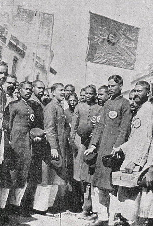 İstiklal Savaşı sırasında Hindistan Hilafet Hareketi'nin gönderdiği nakdi yardımlar ayrı bir anlam ifade ediyordu.