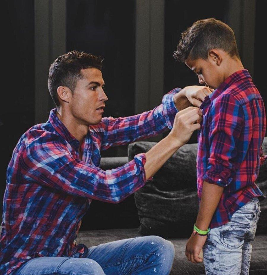 Crisiano Ronaldo çocuklarına bir hayli düşkün.