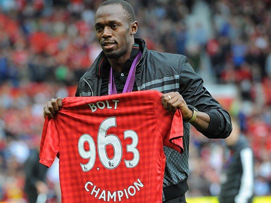 Dünyaca ünlü atletin sıkı bir Manchester United taraftarı olduğu biliniyor.