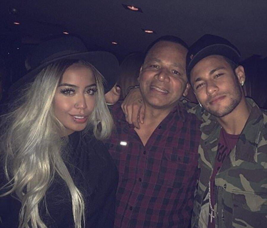 Neymar şimdiye kadar Rafaella'nın hiçbir doğum günü etkinliğini kaçırmadı.
