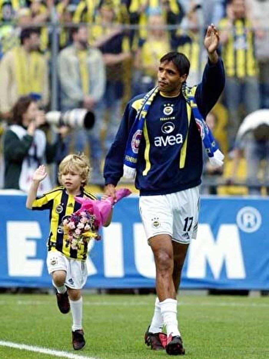 Yıllar geçse de Sydney'in gönlünün bir yanında Fenerbahçe her zaman var.