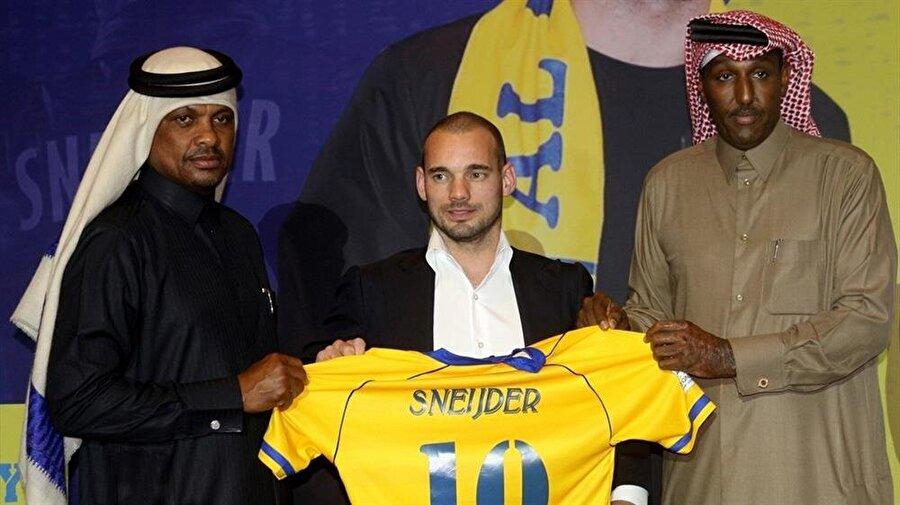 Sneijder, Al-Gharafa'da mutlu olduğunu belirtti.