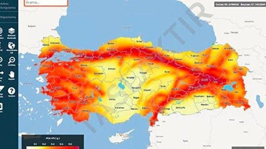 AFAD'ın web sayfası açıldığı anda detaylı bir harita görülebiliyor. Ek olarak arama yaparak da bulunduğunuz bölgeye dair risk haritasına erişebilirsiniz.