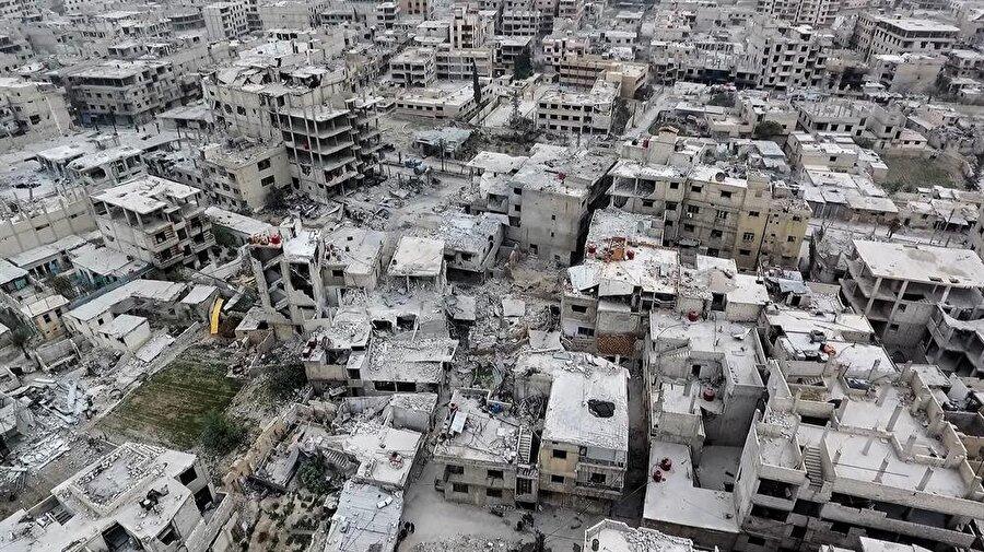 Suriye'nin başkenti Şam'ın merkezine yalnızca 10 kilometre mesafedeki Doğu Guta'nın 5 yıldır dış dünyaya erişimi yok.