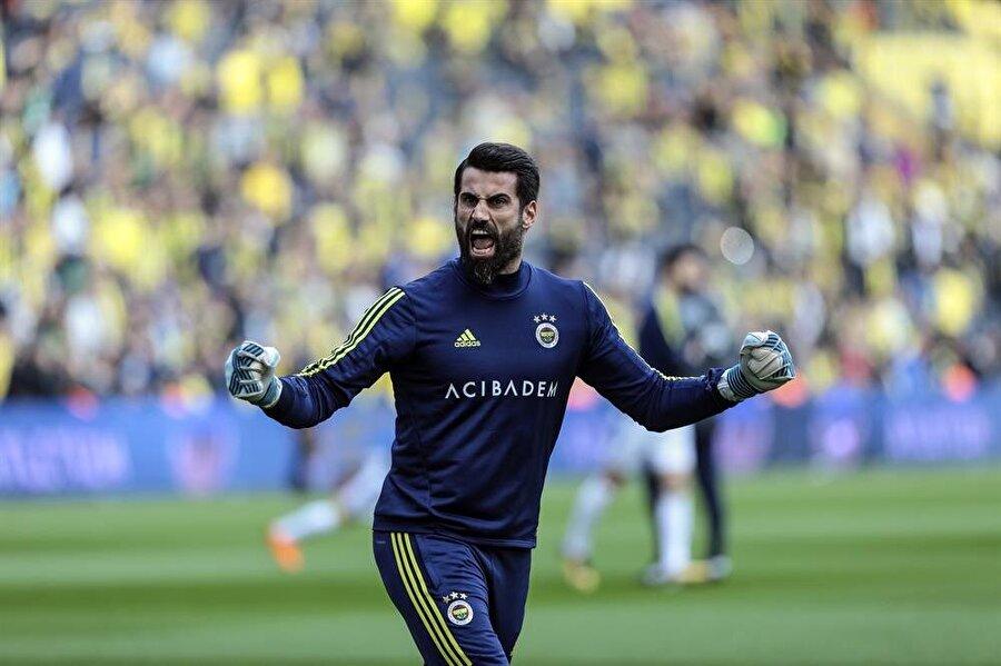 Volkan Demirel, 2002 yılında Kartalspor'dan Fenerbahçe'ye imza attı.