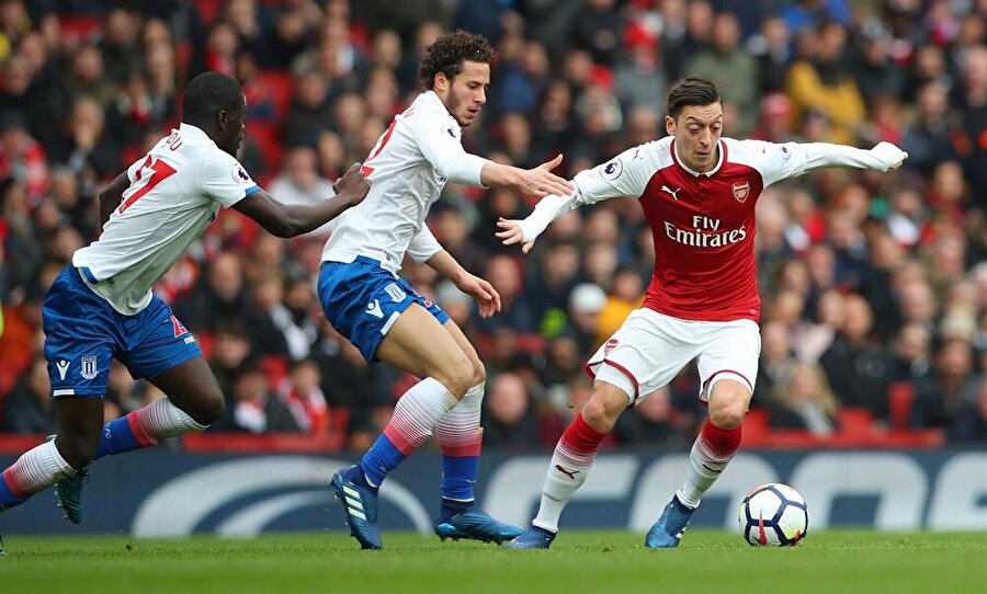 Stoke Polisi ile sezonun ilk yarısında yaşanan diyalog, ikinci yarıda da devam etti.