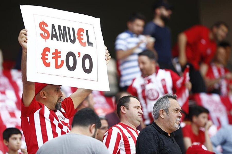 Antalyasporlu taraftarlar Eto'o'yu protesto etti.nnFotoğraf: AA