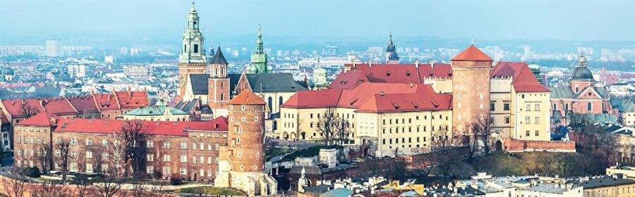 Avrupa'da olduğu gibi bu Yahudi Mahallesi de nedense bohemliğin merkez üstü olmuş