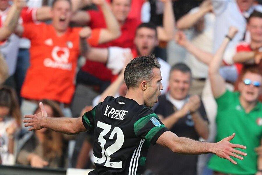 Robin van Persie'nin gol sevinci.