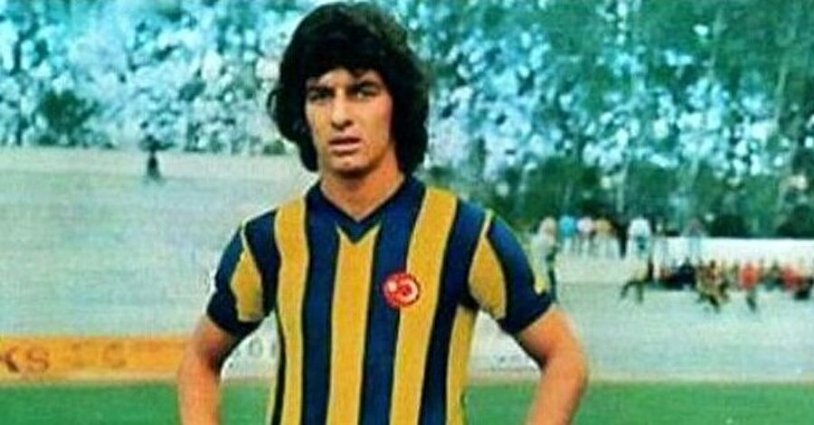 Alpaslan Eratlı 10 yıl boyunca Fenerbahçe forması giydi.