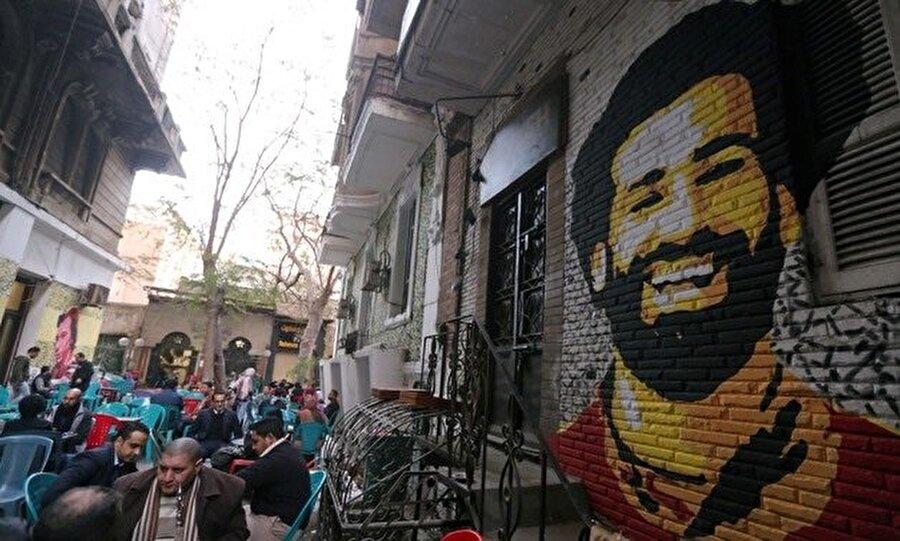 Kahireliler, Salah aşkını bu şekilde gösteriyor.