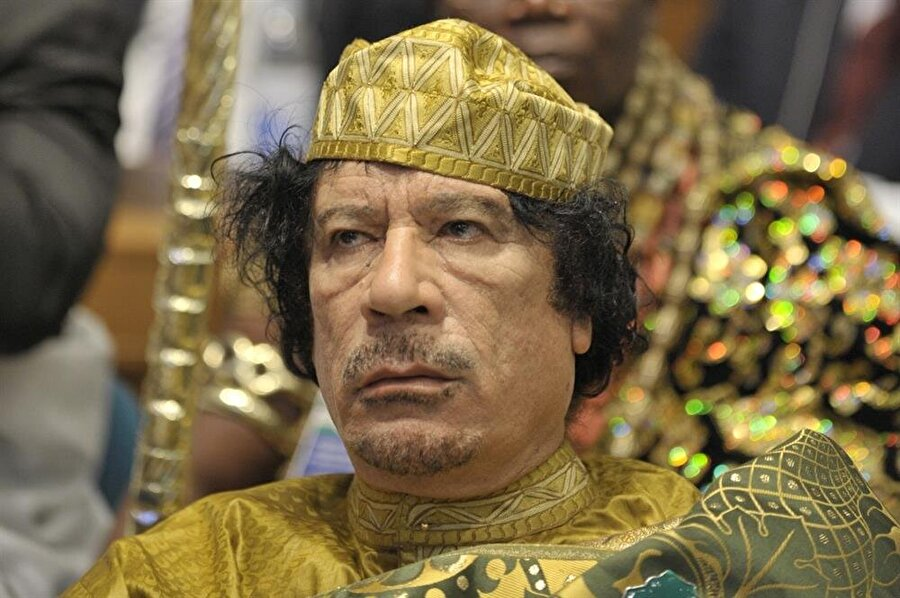 42 yıl boyunca Libya'nın yönetimini elinde tutan Kaddafi, 20 Ekim 2011 günü muhaliflerince öldürüldü.