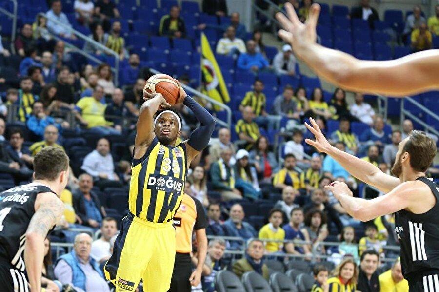 Fenerbahçe Doğuş, Beşiktaş Sompo Japan engelini rahat geçti.nFotoğraf: AA