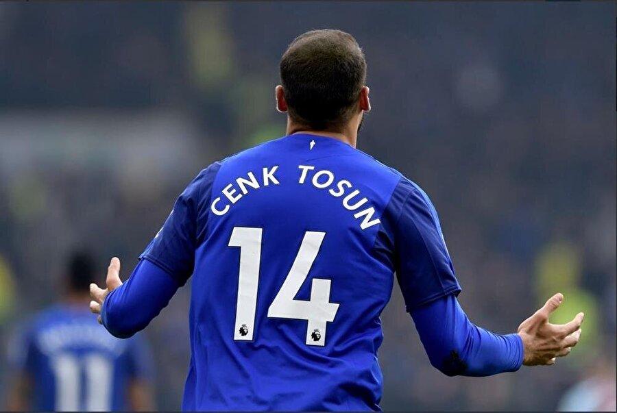 Everton formasıyla şimdiye kadar 13 maça çıkan Cenk Tosun 5 kez fileleri havalandırdı.