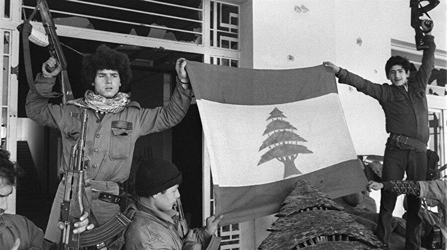 Lübnan'da 1975-1990 arasında devam eden iç savaşta yaklaşık 230 bin insan hayatını kaybetti.