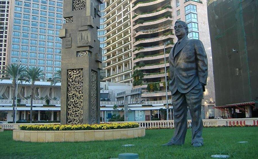 Başkent Beyrut'ta bulunan Refik Hariri heykeli.