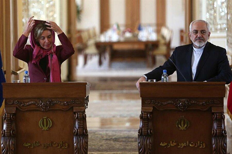 dış ilişkilerden sorumlu yüksek komiseri Federica Mogherini ve İran Dışişleri Bakanı Cevad Zarif.