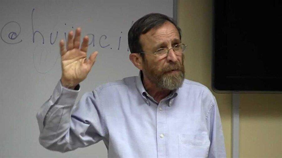 Prof. Dr. Shaul Stampfer'e göre felâfelin kökenleri çok eskilere gitmiyor.