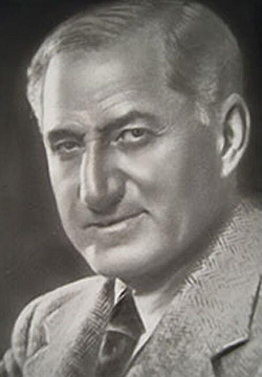 Selim Sırrı Tarcan, Türkiye'de sporun gelişiminde önemli katkılar sağladı.